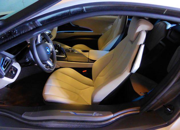 2016 BMW i8 interior