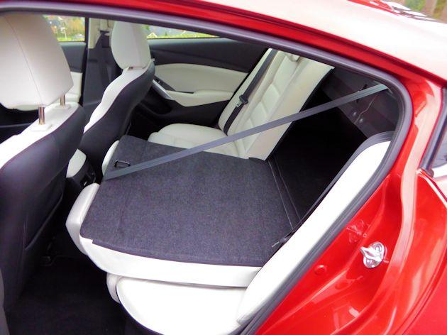 2016 Mazda6i rear seat