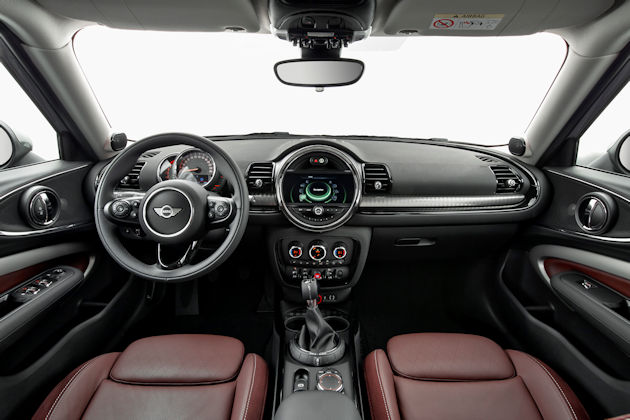 2016 Mini Cooper Clubman dash