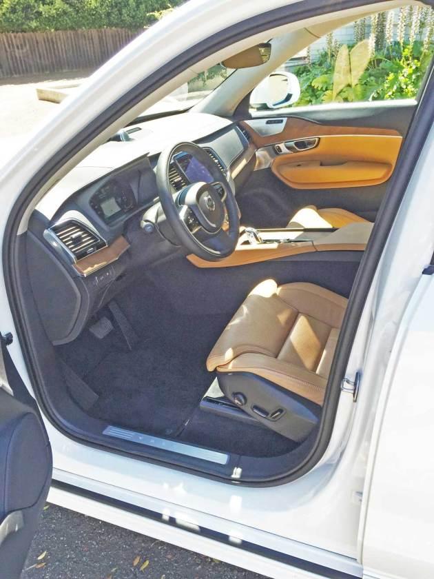 Volvo-XC90-T8-Hybrid-Int