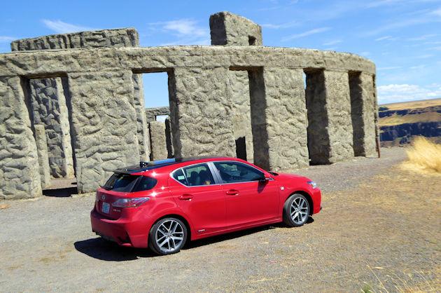 2016 Lexus CT 200h rear q