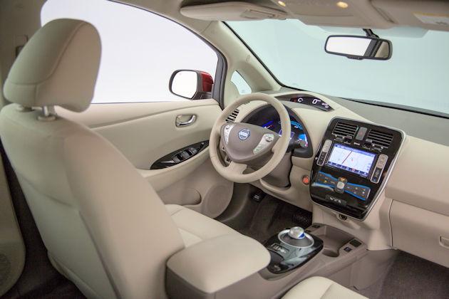 2016 Nissan Leaf dash