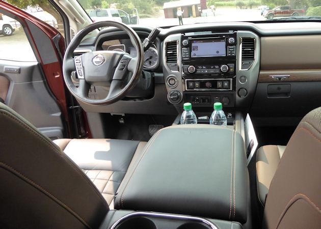 2017 Nissan Titan dash