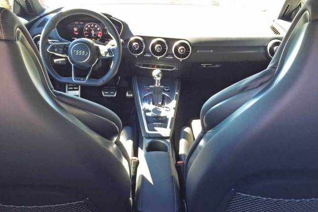 Audi-TTS-Coupe-Dsh