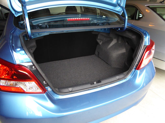 2017-mitsubishi-mirage-trunk