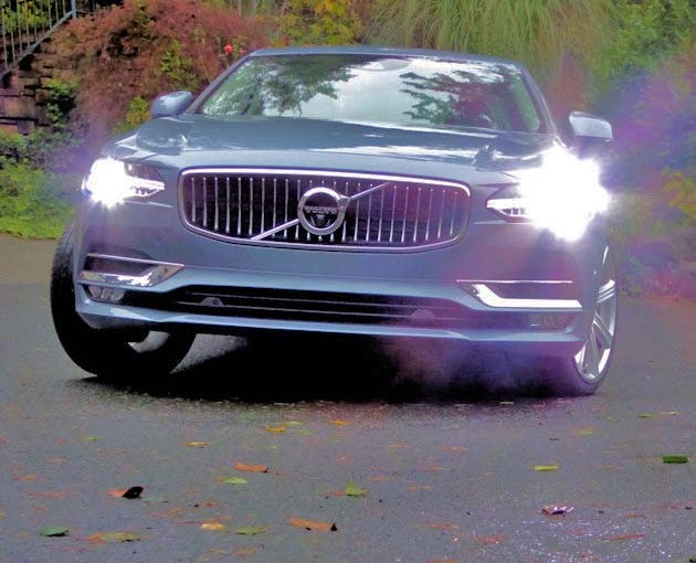 2017-Volvo-S90-front-2-1