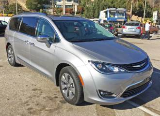 chrysler-pacifica-hybrid-rsf