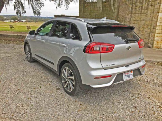 Kia-Niro-Hybrid-LSR