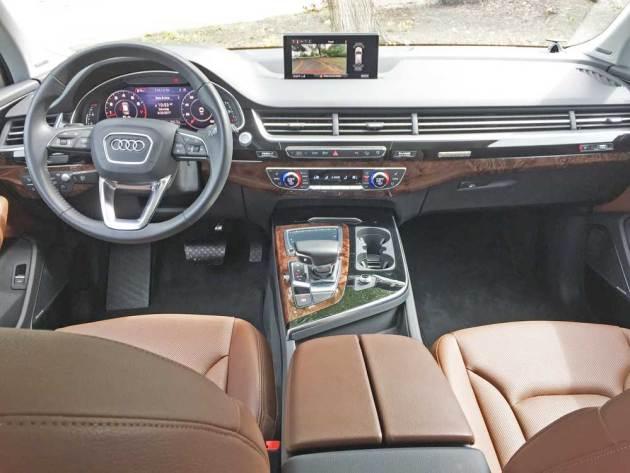 Audi-Q7-3.0T-Dsh