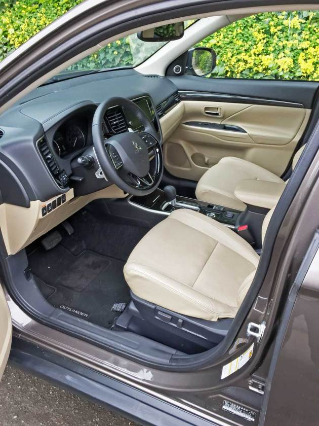 Mitsubishi-Outlander-GT-Int