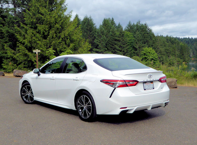 2018 toyota 2 5 liter engine. modren engine the standard naturally aspirated fourcylinder 25liter  engine will be the choice of most camry buyers is smooth powerful  with 2018 toyota 2 5 liter
