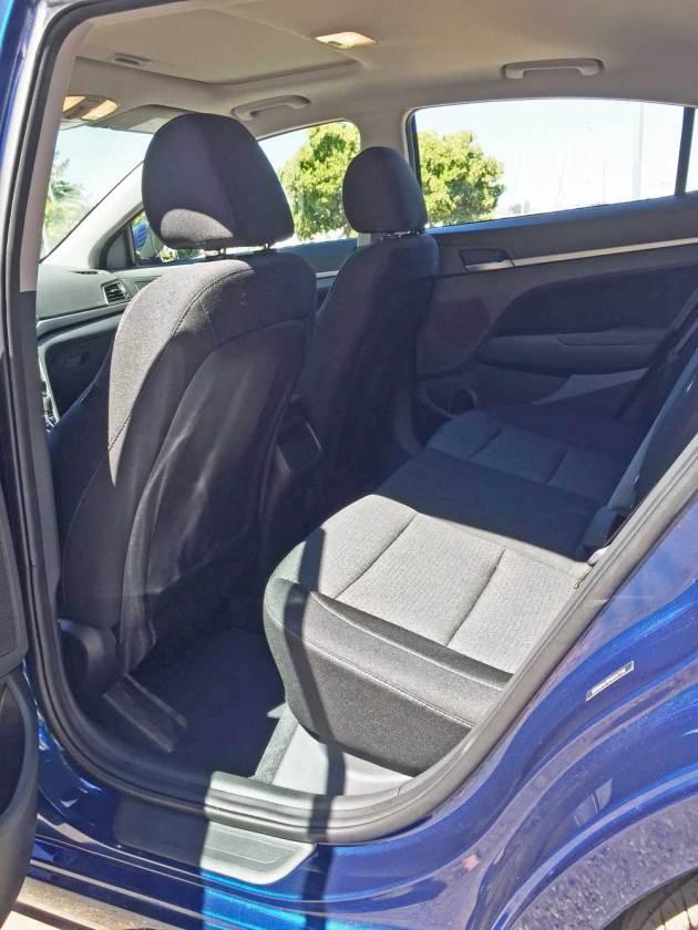 Hyundai-Elantra-Eco-RInt