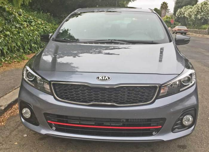 2017 kia forte5 sx test drive our auto expert. Black Bedroom Furniture Sets. Home Design Ideas