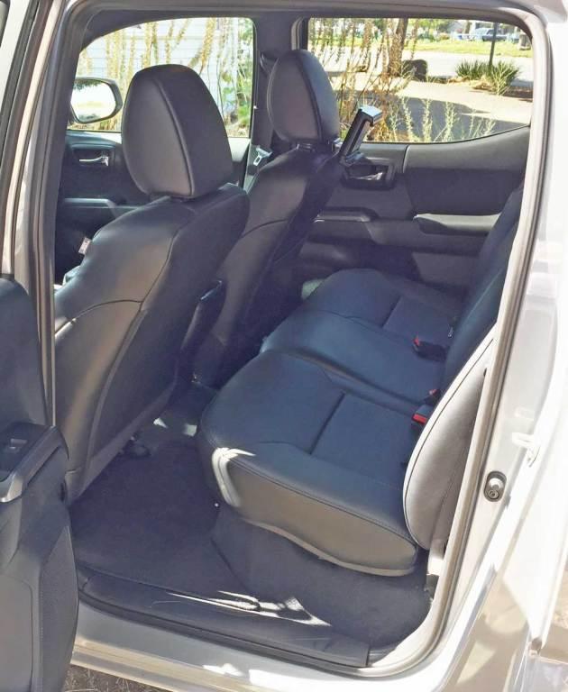 Toyota-Tacoma-TRD-Pro-RInt