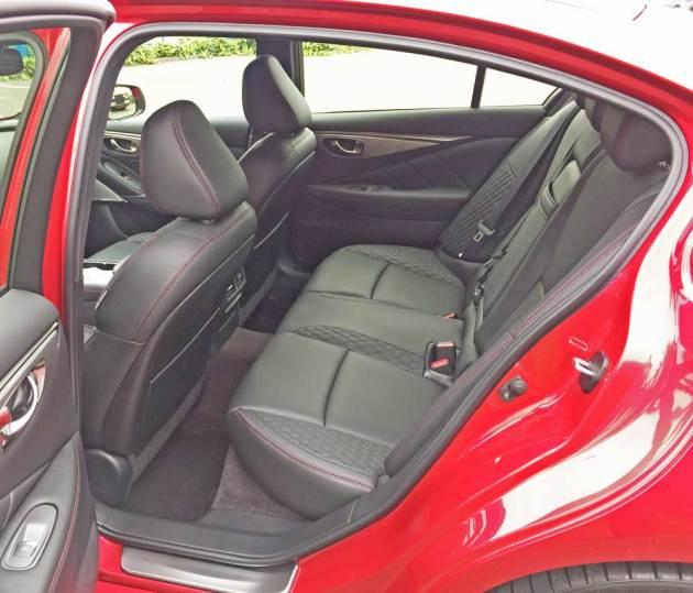 Infiniti-Q50-Red-Sport-400-RInt