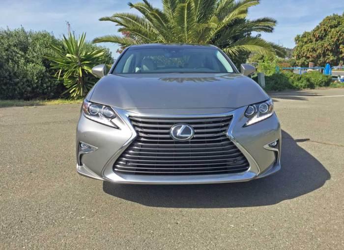 Lexus-ES-350-Nose