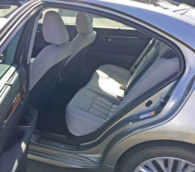 Lexus-ES-350-RInt