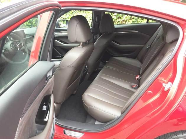 Mazda6-Signature-RInt