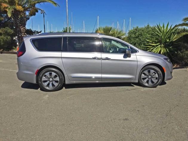 Chrysler-Pacifica-Hybrid-RSD