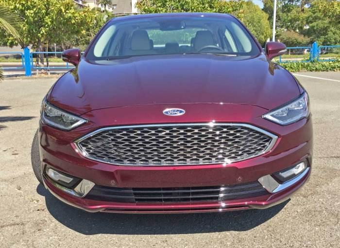 Ford-Fusion-Plat-Hybrid-Nose