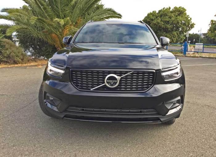 Volvo-XC40-T5-R-Design-Nose