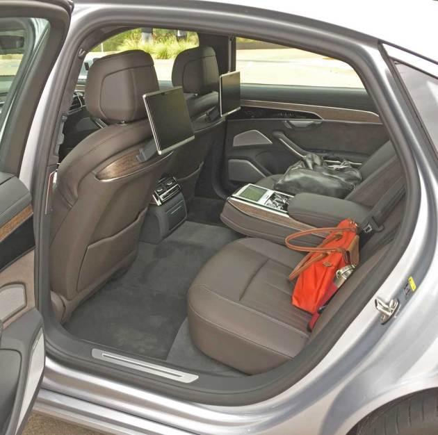 Audi-A8-L-RInt