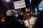 συγκέντρωση αριστερών ενάντια στους νατοικούς βομαρδισμούς και τους φασίστες, περί τα 60 άτομα