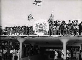 Nairobi, Kenya,Φεβρουάριος 1970. Επιτροπή υποδοχής στο αεροδρόμιο