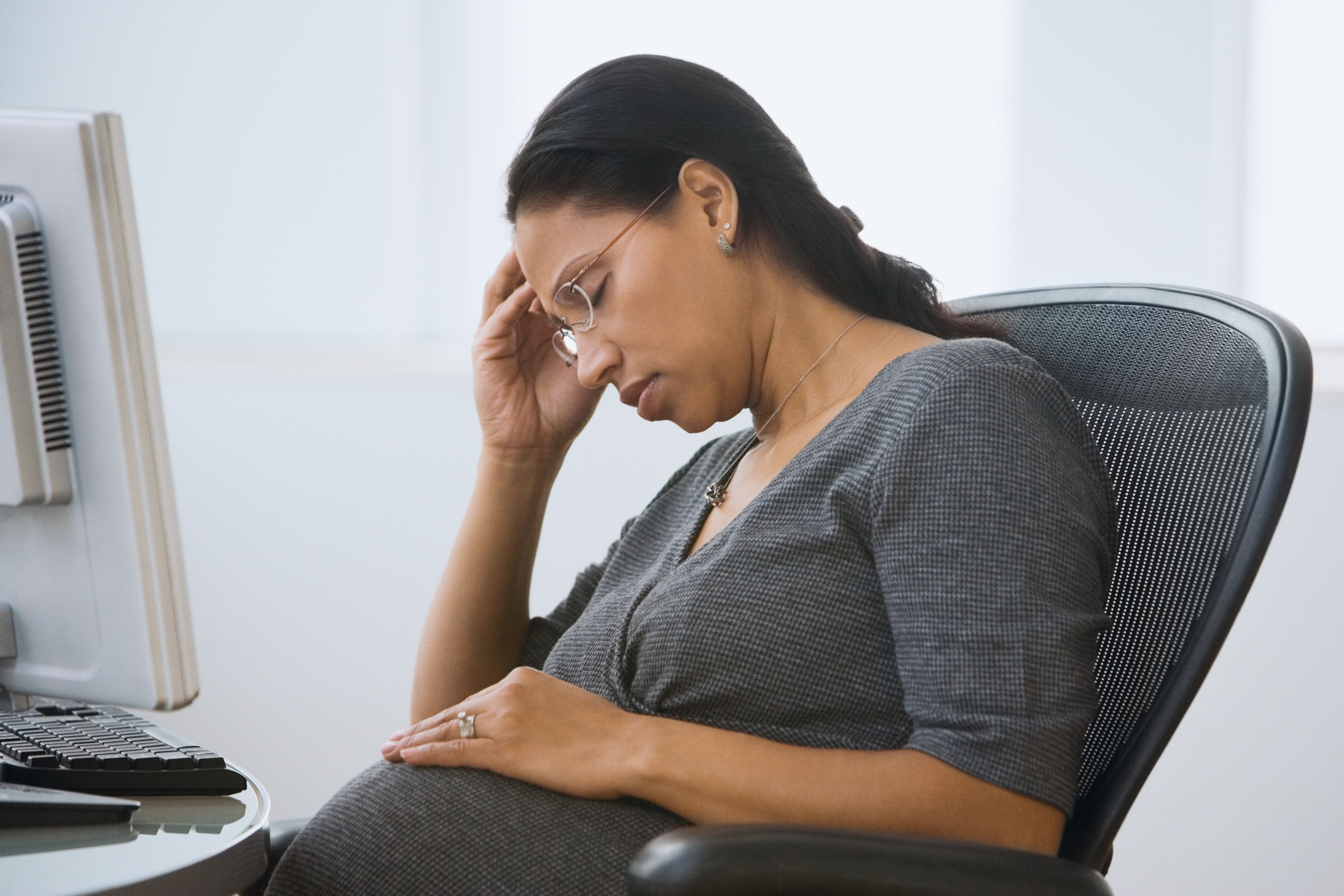 WHY WOMEN SHOULD AVOID BEING STRESSED DURING PREGNANCY