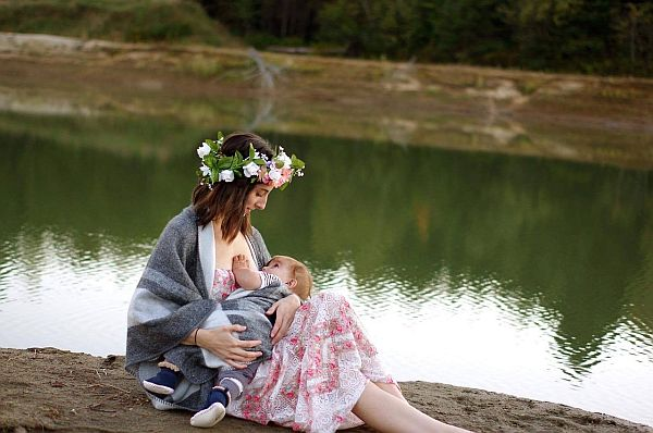 ARE THERE PROFITS ASSOCIATED TO BREASTFEEDING?