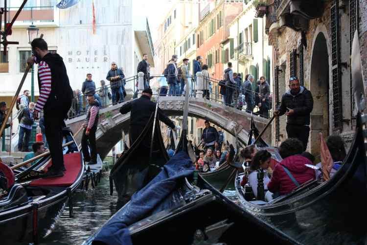 Gondola Ride in Venice, Gondola Jam