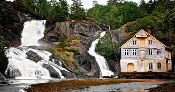 Waterfall Eikelacndsosen