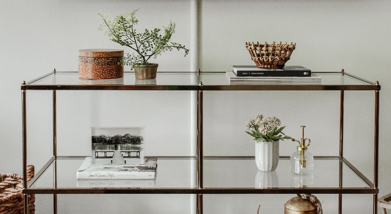 8 Steps to Restyle Shelves Successfully