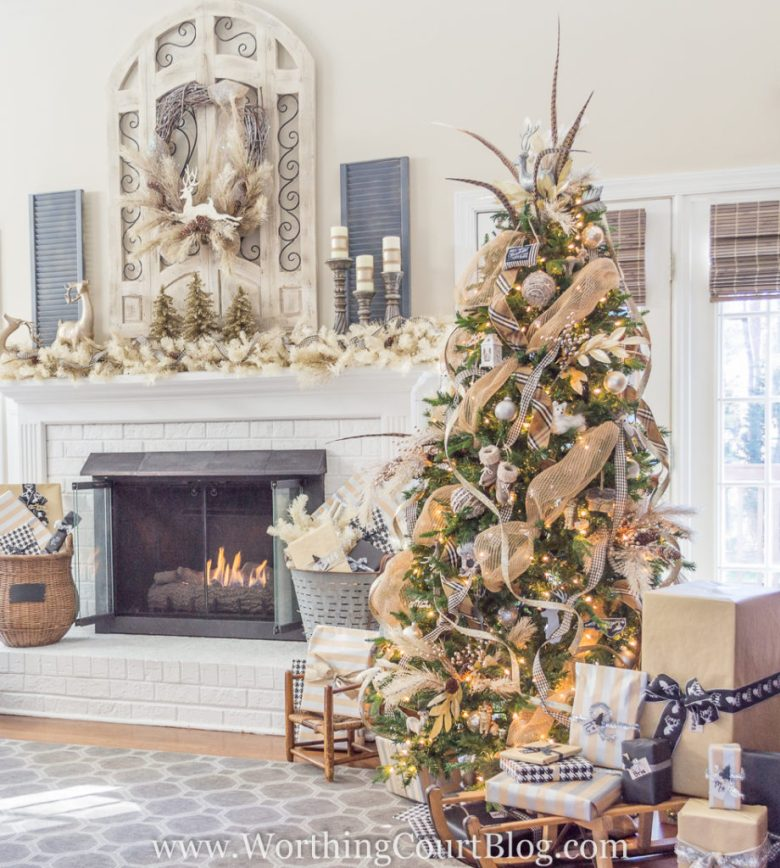 http://www.worthingcourtblog.com/christmas-tree-and-mantel/