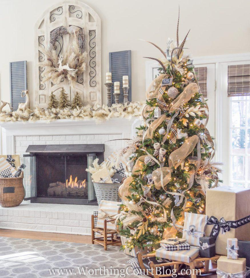 http://www.worthingcourtblog.com/christmas-tree-and-mantel/