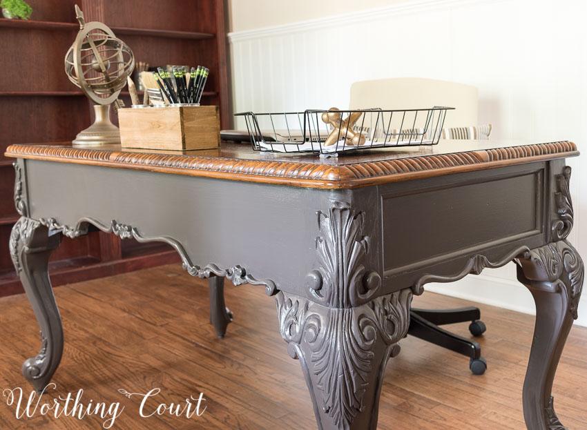 25 Farmhouse Style Gray Painted Furniture Ideas Centsible Chateau #farmhousestyle #graypaintedfurniture #diy