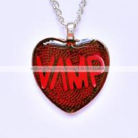 Glitz Blizzard vamp necklace
