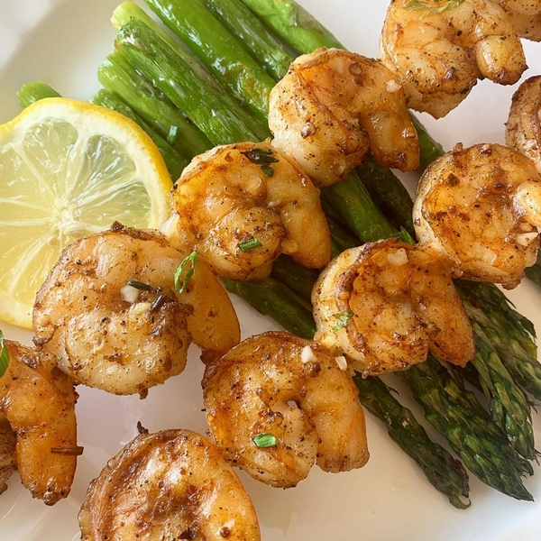 Shrimp with asparagus