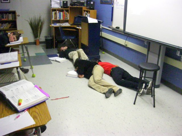 "The ""corpses"" of Romeo, Juliet, and Paris during fourth period"