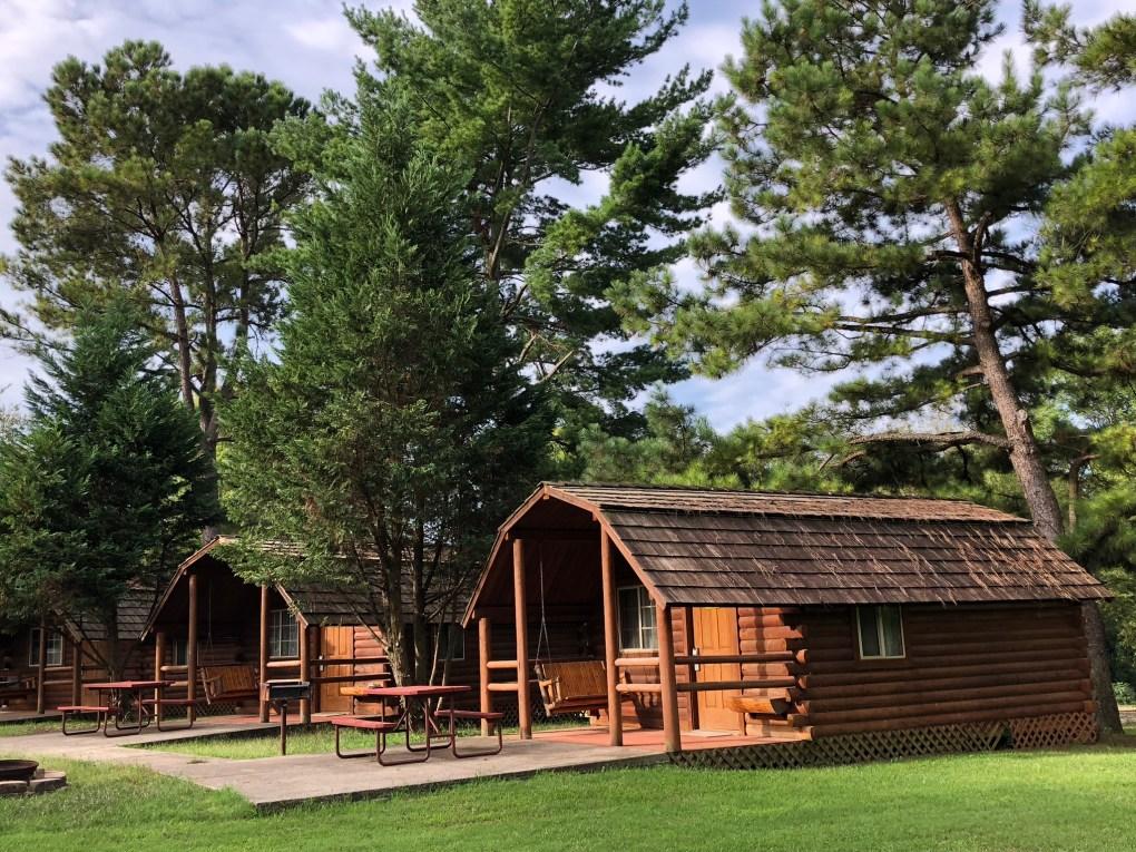 cabins at Bowling Green KOA