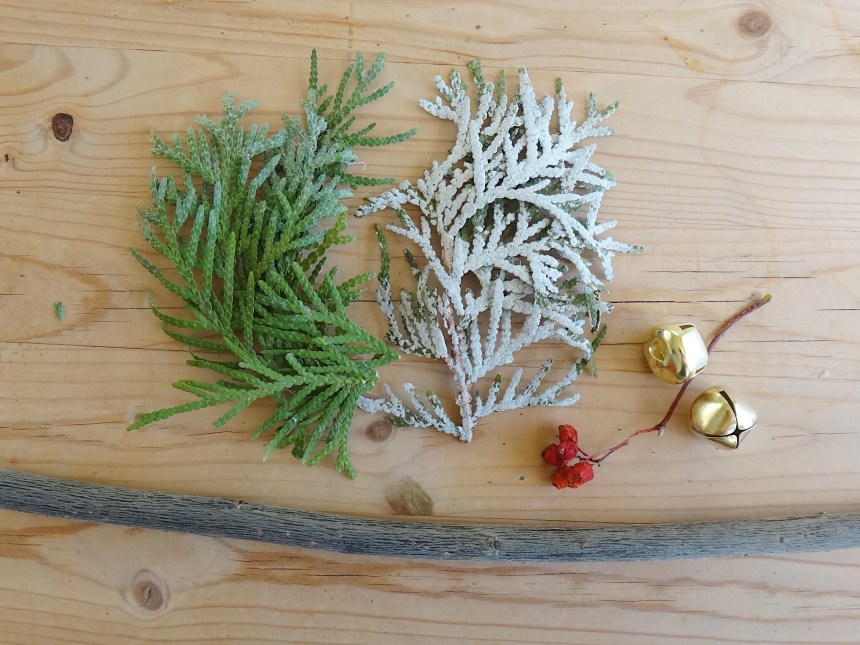DIY Christmas Ornaments Nature Macrame Inspired (17)