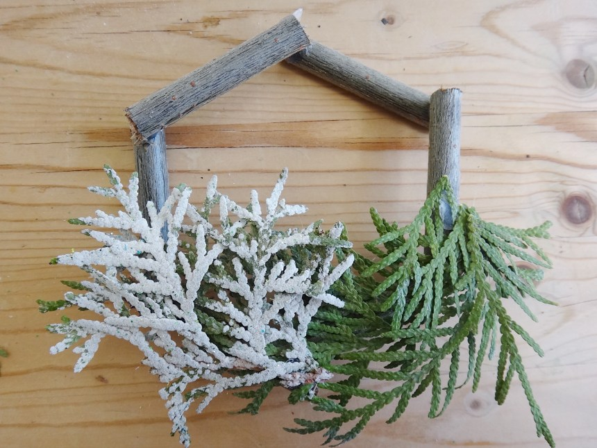 DIY Christmas Ornaments Nature Macrame Inspired (6)