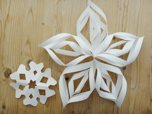 Paper Snowflake DIY Christmas Decor (6)