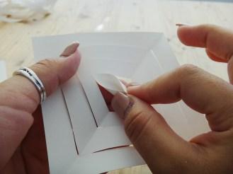 Paper Snowflakes DIY Christmas Decor (3)
