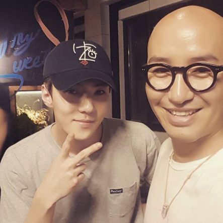 Tonyhong1004: After the music show, I had time to see #EXO #Sehun. With his handsome appearance and a nice and genuine heart. I am supporting him as the best dongsaeng as a singer and as an actor. Always work hard and keep improving! I will be expecting your growth. #Itaewon #MySweet (160821)