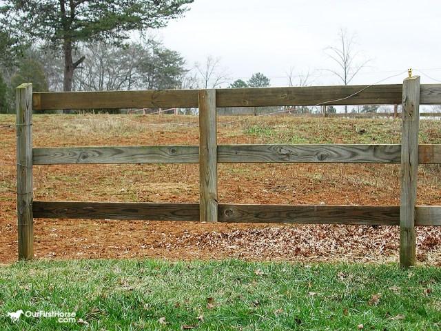 Horse fence repair