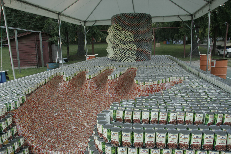 Thousands of cans can indeed be something to behold