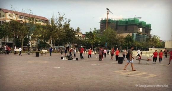 Group aerobics class in Wat Bottom Park