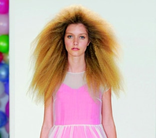 Mulberry punk-style hair trend