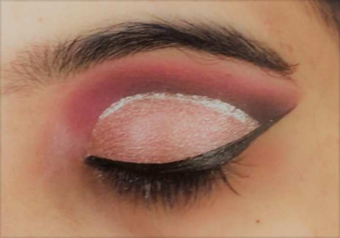 5.	Double Eyeliner Winged & Shimmer